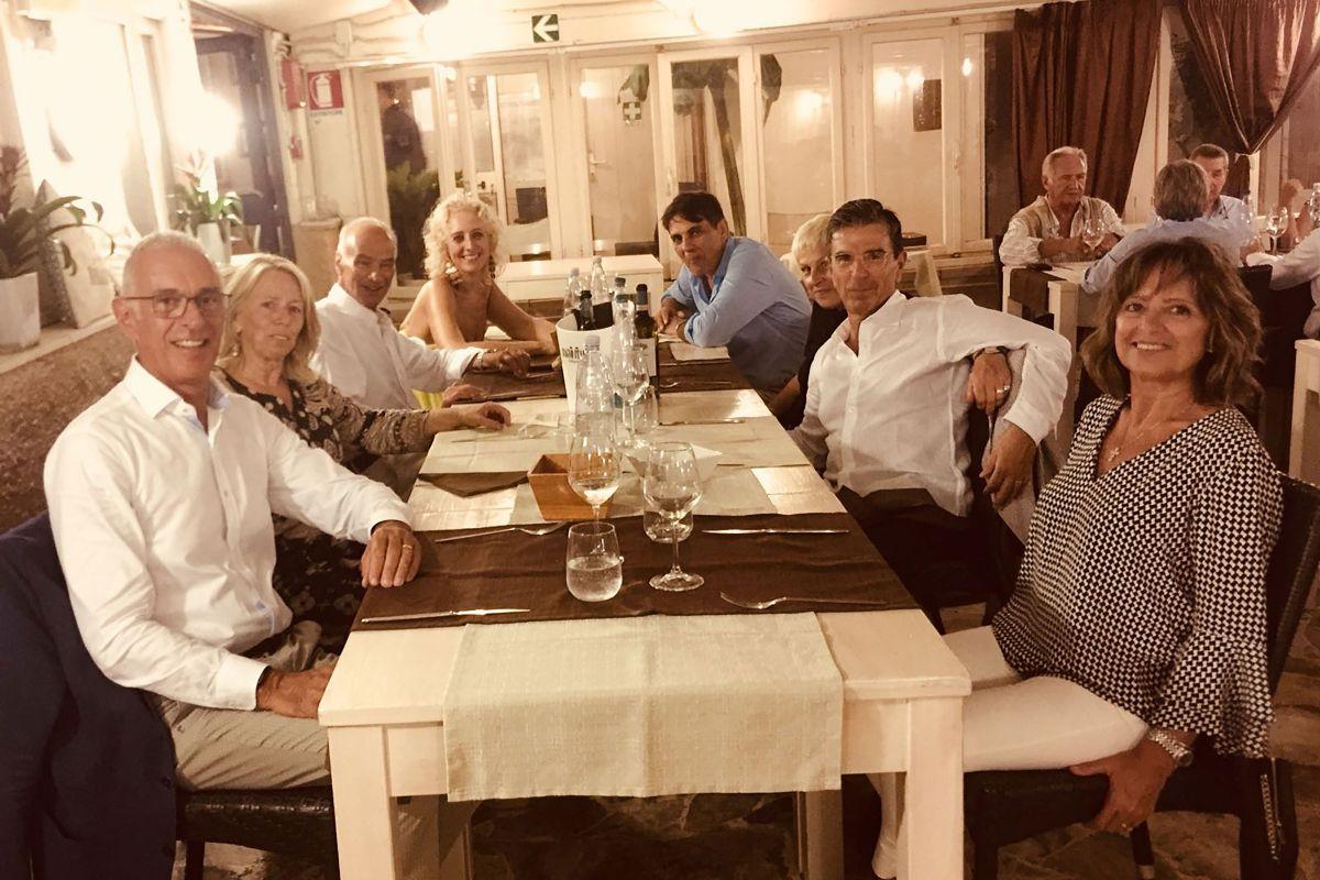 Per vincere il caldo cena al bagno italia di marina di pisa for Bagno caldo durante il ciclo